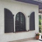 okiennice drewniane ciemny braz